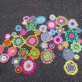 cropped-cropped-fleurs-crochet-sur-route-fontaine-e14896185586953.jpg